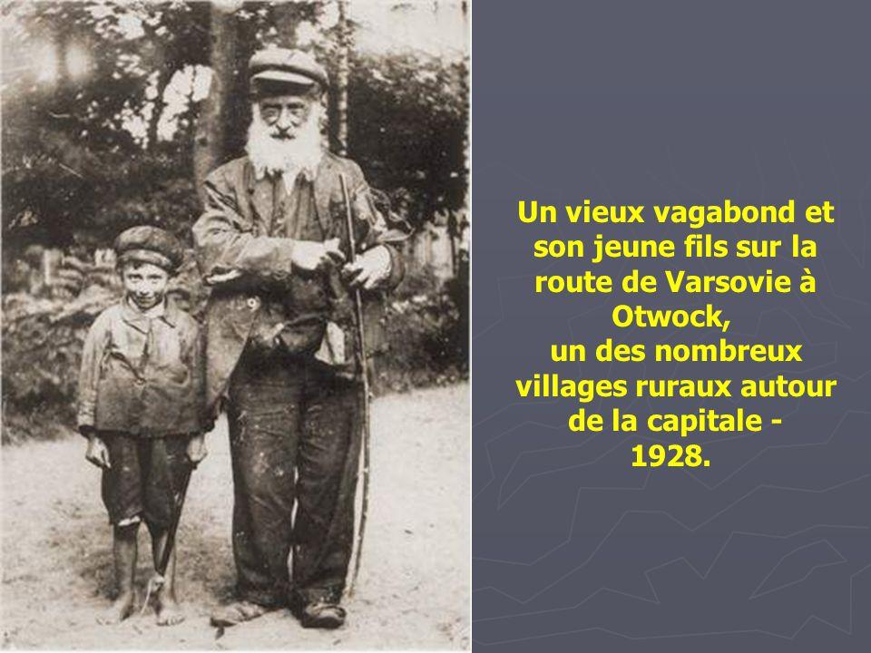 Juifs et paysans d'un village des Carpathes -1921.
