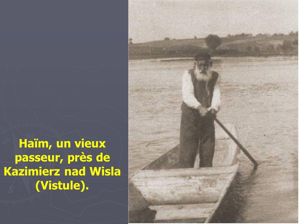 Porteur d'eau à Staszow, vers 1935. Son père et grand-père étaient aussi porteurs d'eau.