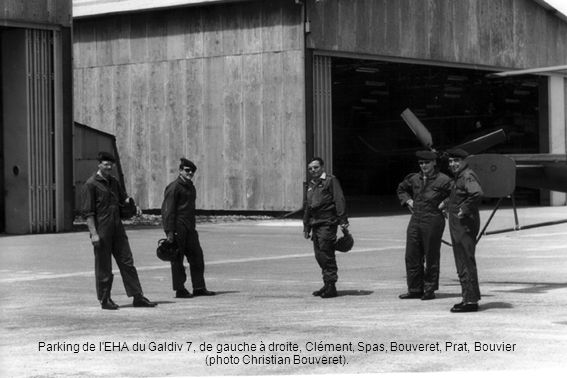 Parking de l'EHA du Galdiv 7, de gauche à droite, Clément, Spas, Bouveret, Prat, Bouvier (photo Christian Bouveret).