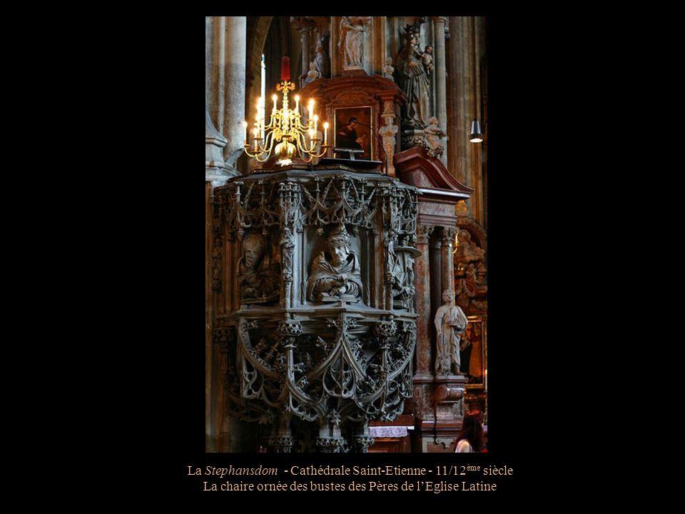 La Stephansdom - Cathédrale Saint-Etienne - 11/12 ème siècle La chaire en grès