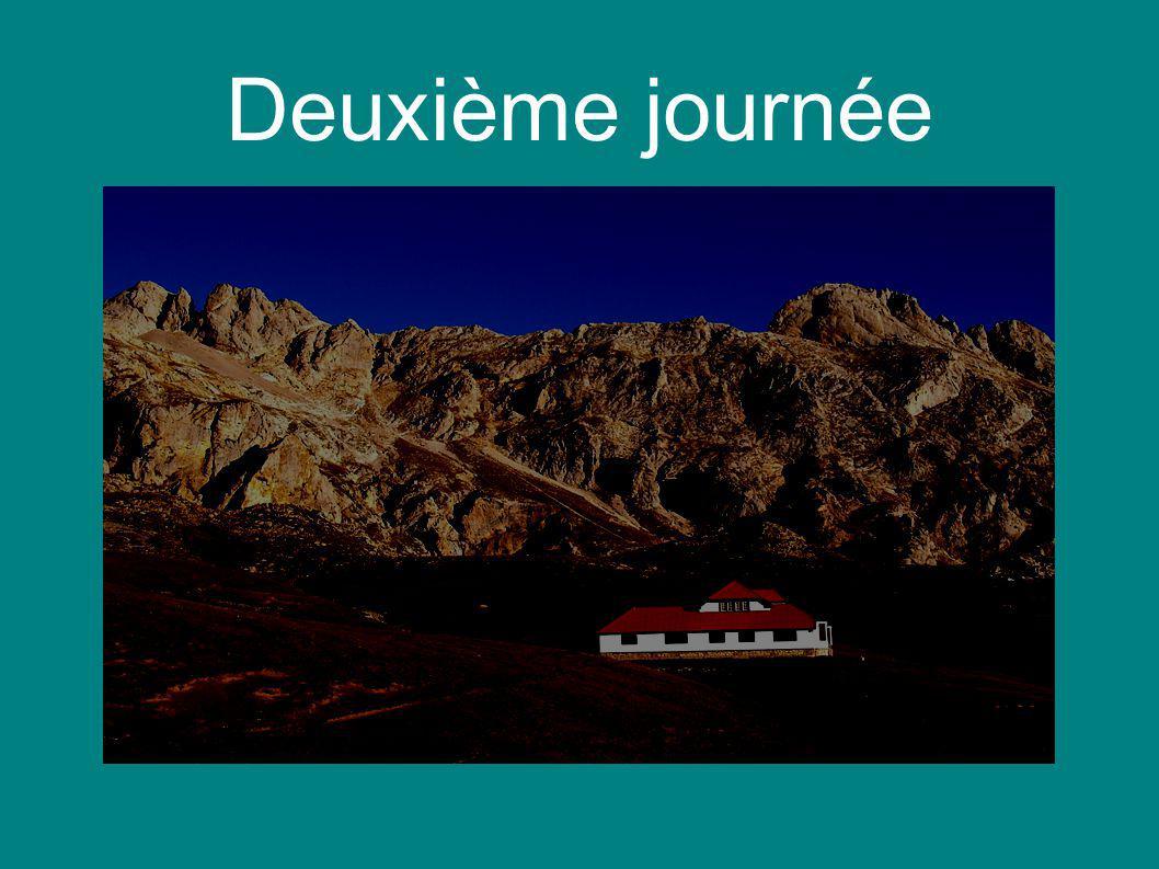 Los Picos de Europa ● Destination à part entière : Accès aux Pics en téléphérique ● Une randonnée guidée en español ● Au retour : visite de San Vicente de la Barquera (village maritime)