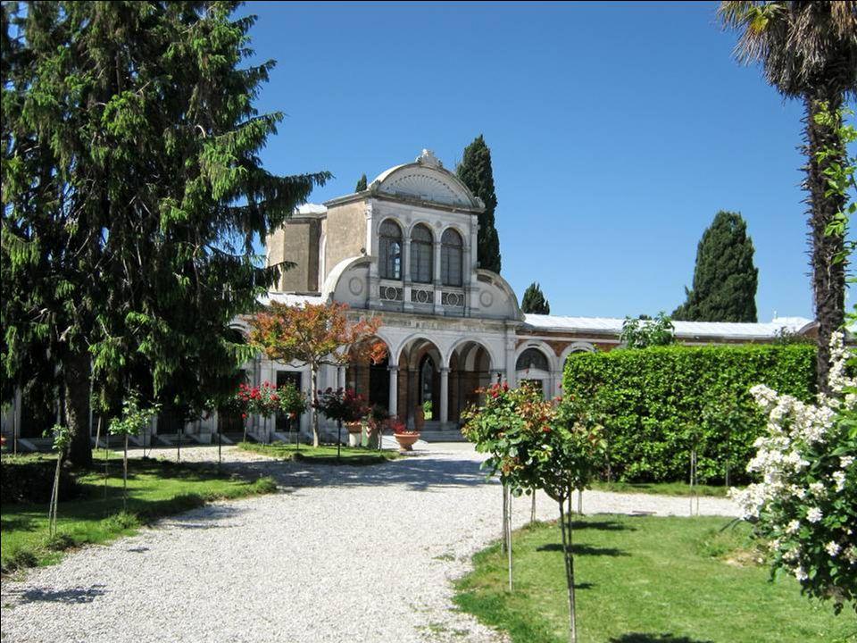 L'arrivée à San Michele ( = le cimetière de Venise)