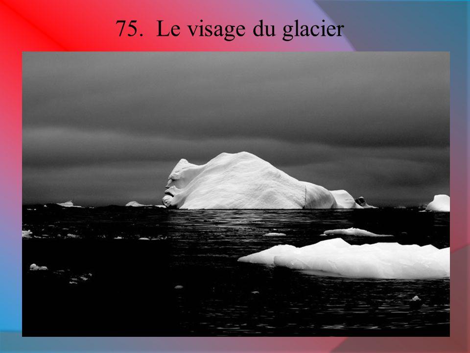 24. Caverne de glace à Kamchatka, Russie