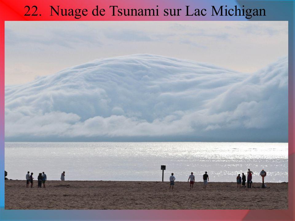 22. Nuage de Tsunami sur Lac Michigan