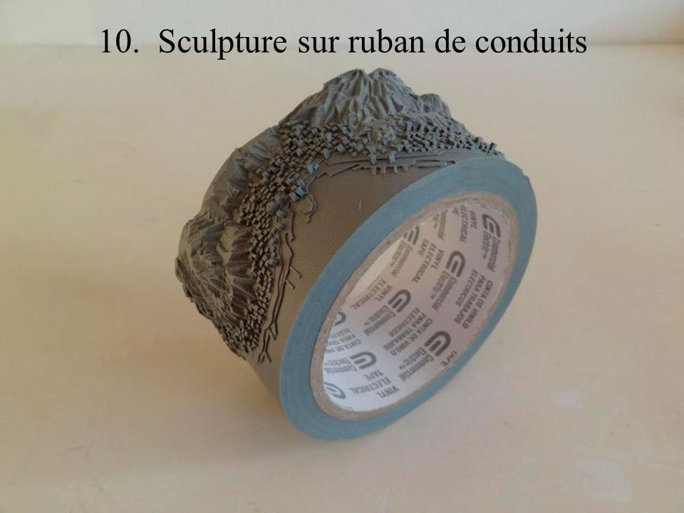 10. Sculpture sur ruban de conduits
