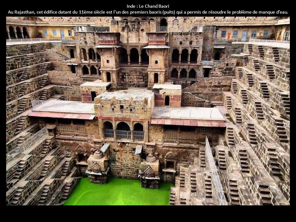 Inde : Le Chand Baori Au Rajasthan, cet édifice datant du 11ème siècle est l'un des premiers baoris (puits) qui a permis de résoudre le problème de ma