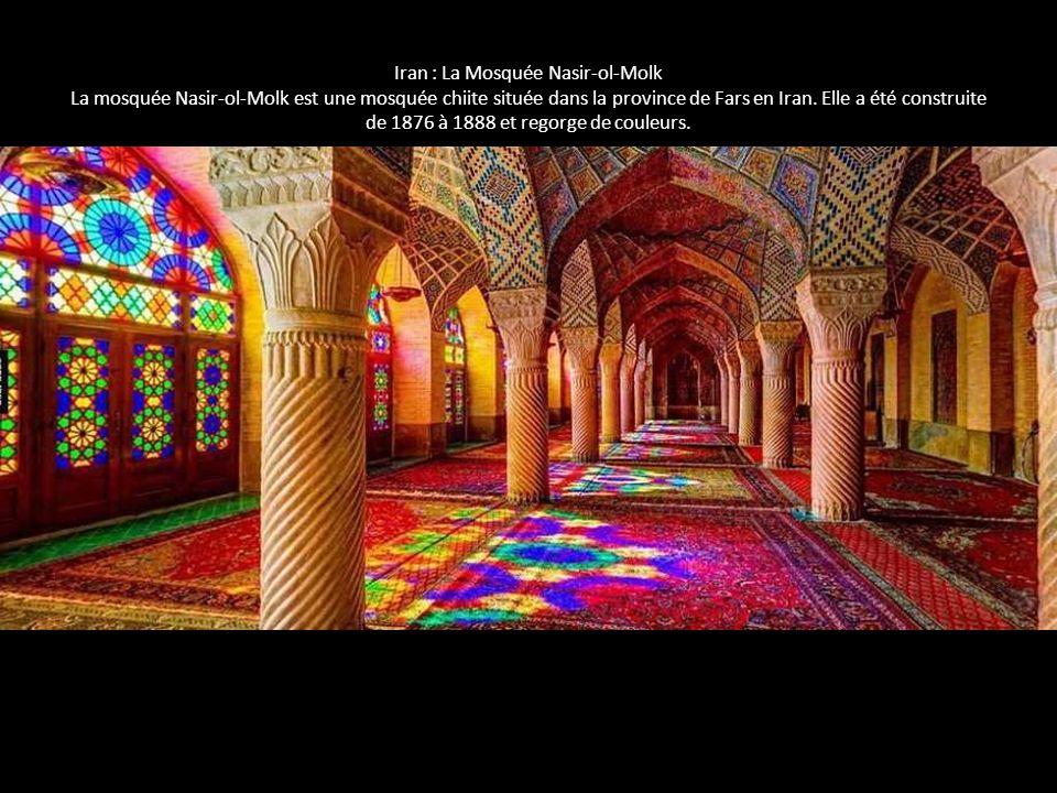 Iran : La Mosquée Nasir-ol-Molk La mosquée Nasir-ol-Molk est une mosquée chiite située dans la province de Fars en Iran. Elle a été construite de 1876