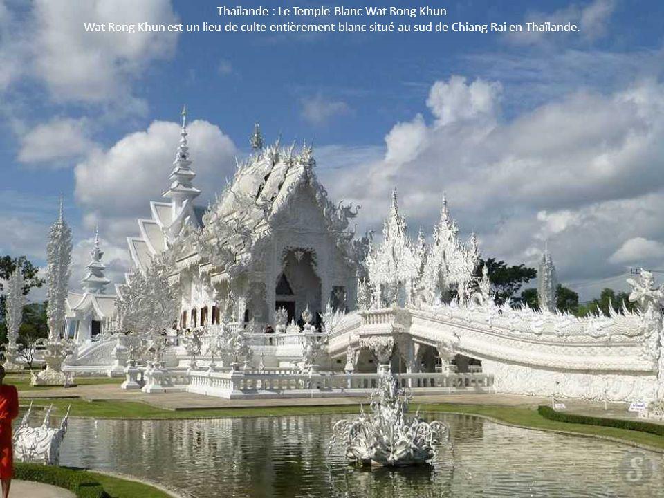 Thaïlande : Le Temple Blanc Wat Rong Khun Wat Rong Khun est un lieu de culte entièrement blanc situé au sud de Chiang Rai en Thaïlande.