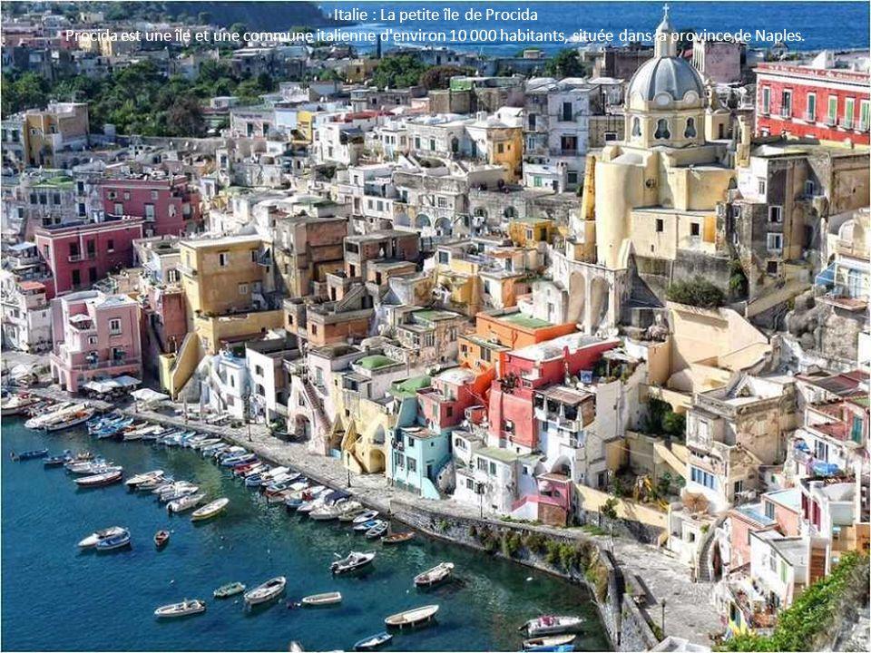 Italie : La petite île de Procida Procida est une île et une commune italienne d'environ 10 000 habitants, située dans la province de Naples.