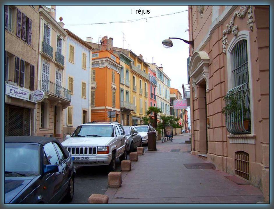 rue Montgolfier, Fréjus