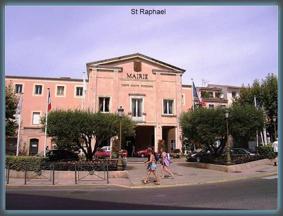 St Raphael Le casino Barrière.