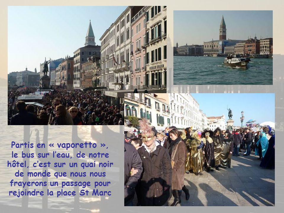 Le Ponte della Libertà ouvre le Musée à ciel ouvert de Venise, sur un labyrinte composé de 177 canaux Datant de 1931 ce pont de 3 850 m relie la capitale de la Vénétie à la terre ferme.
