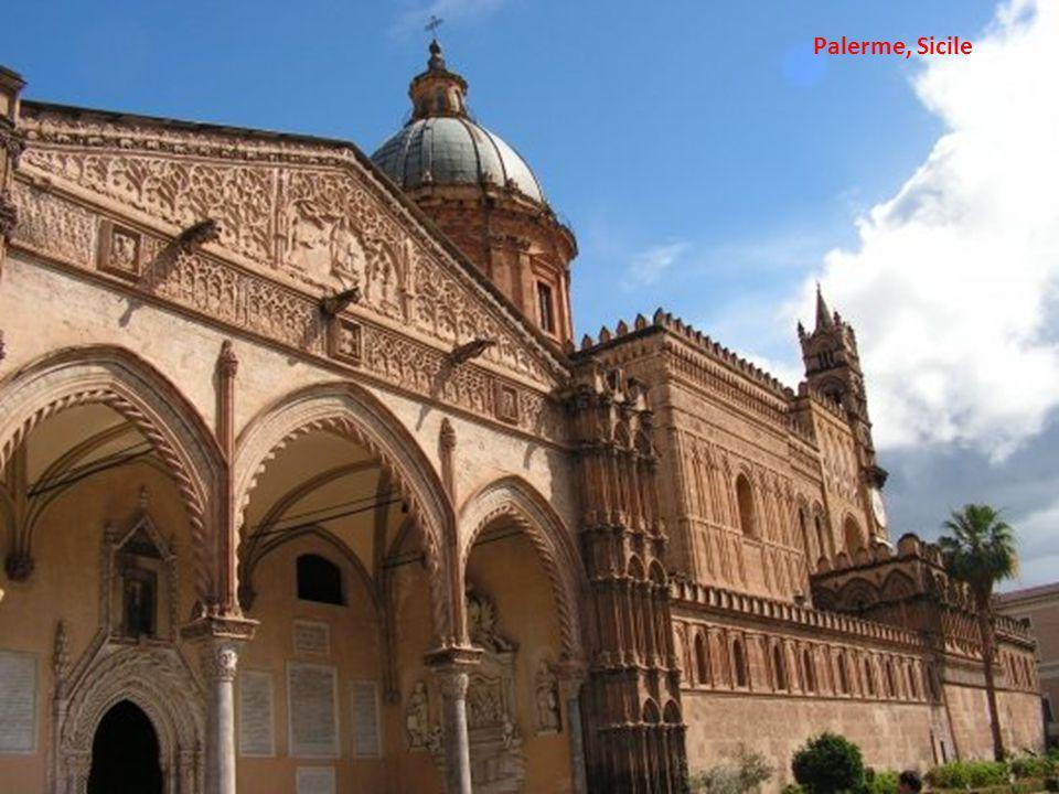 Cathédrale Notre Dame à Ho Chi Minh City, Vietnam