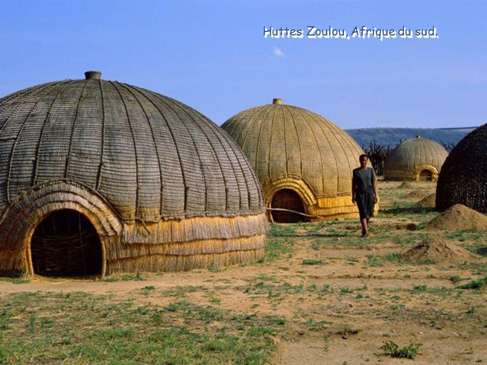 Huttes Zoulou, Afrique du sud.