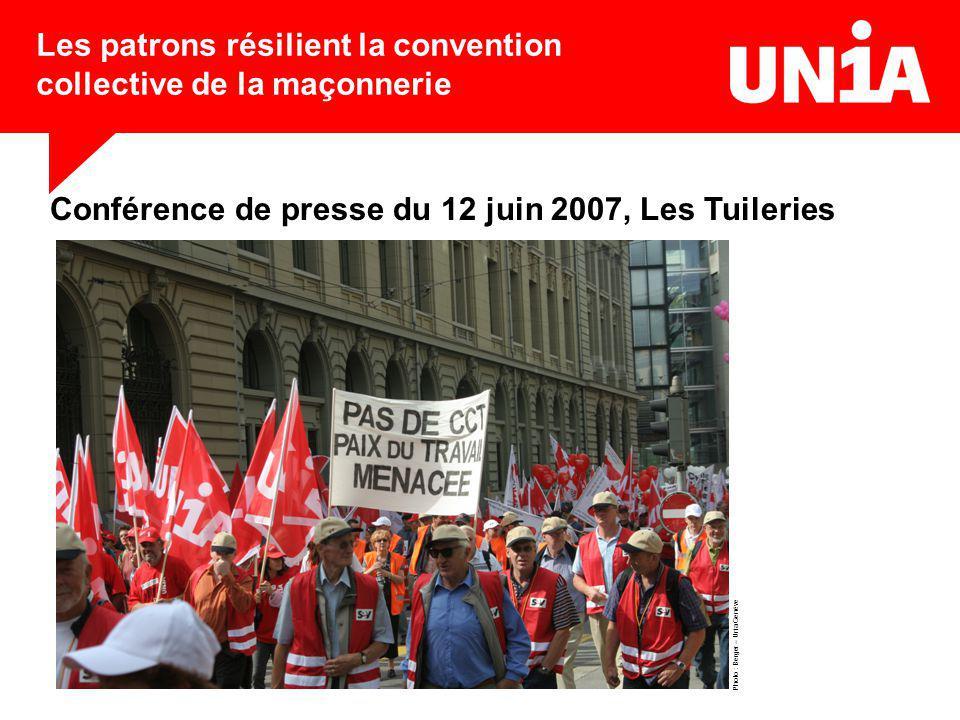 Les patrons résilient la convention collective de la maçonnerie Conférence de presse du 12 juin 2007, Les Tuileries Photo : Berger – Unia Genève