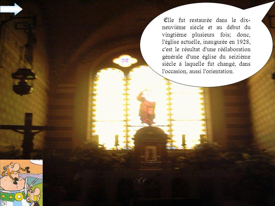 E lle fut restaurée dans le dix- neuvième siècle et au début du vingtième plusieurs fois; donc, l église actuelle, inaugurée en 1928, c est le résultat d une réélaboration générale d une église du seizième siècle à laquelle fut changé, dans l occasion, aussi l orientation.