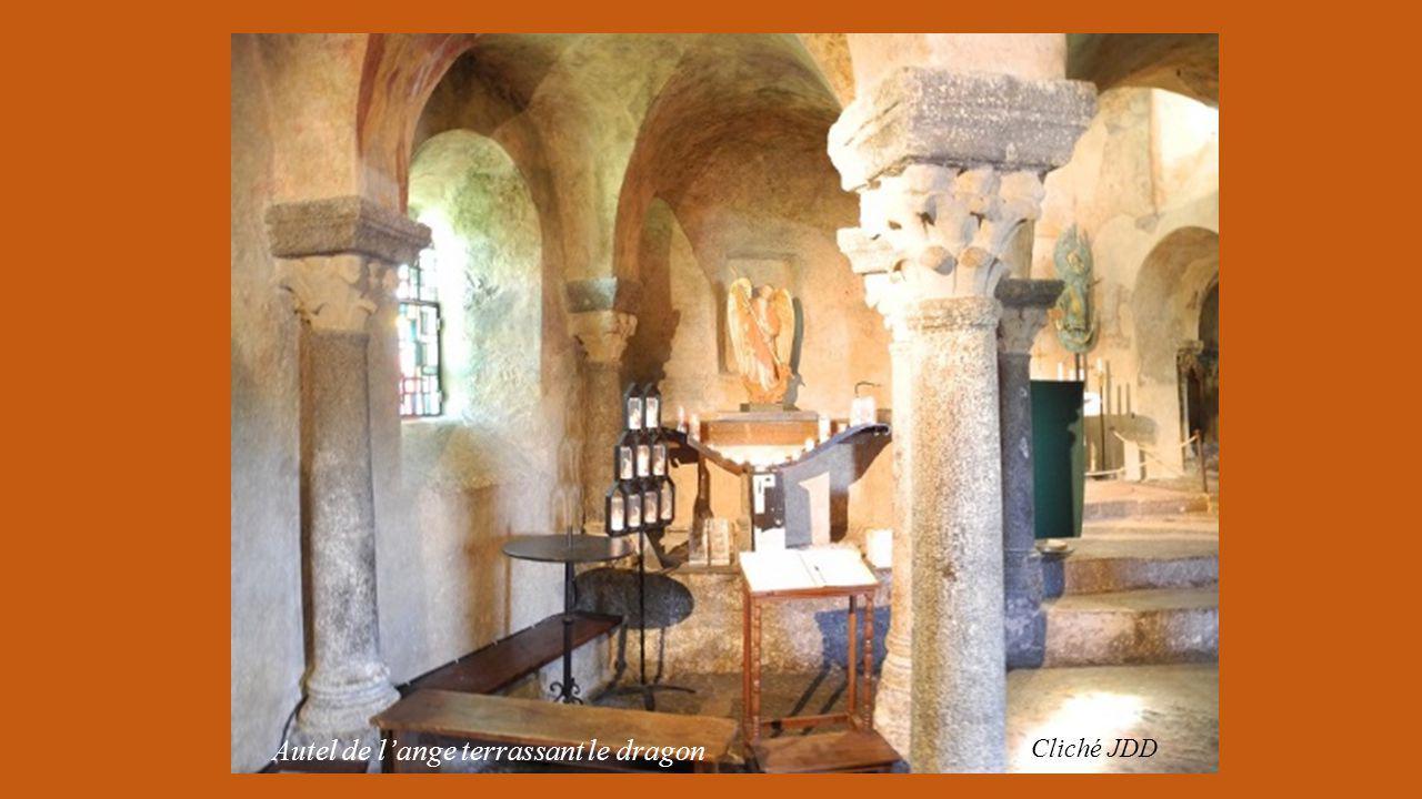 Cliché JDD Le monument est situé au départ de la voie Podiensis vers Saint Jacques de Compostelle.