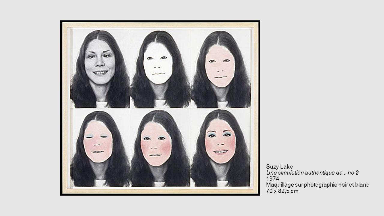 Suzy Lake Une simulation authentique de... no 2 1974 Maquillage sur photographie noir et blanc 70 x 82,5 cm
