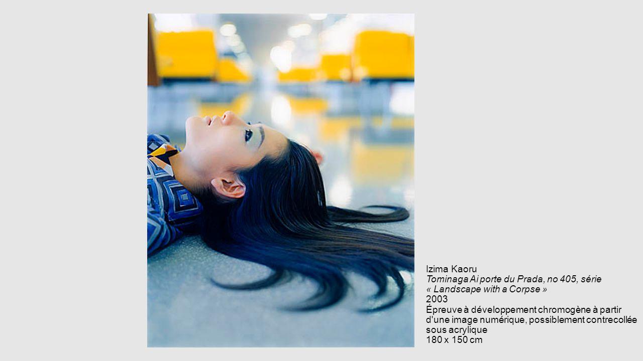 Izima Kaoru Tominaga Ai porte du Prada, no 405, série « Landscape with a Corpse » 2003 Épreuve à développement chromogène à partir d'une image numériq