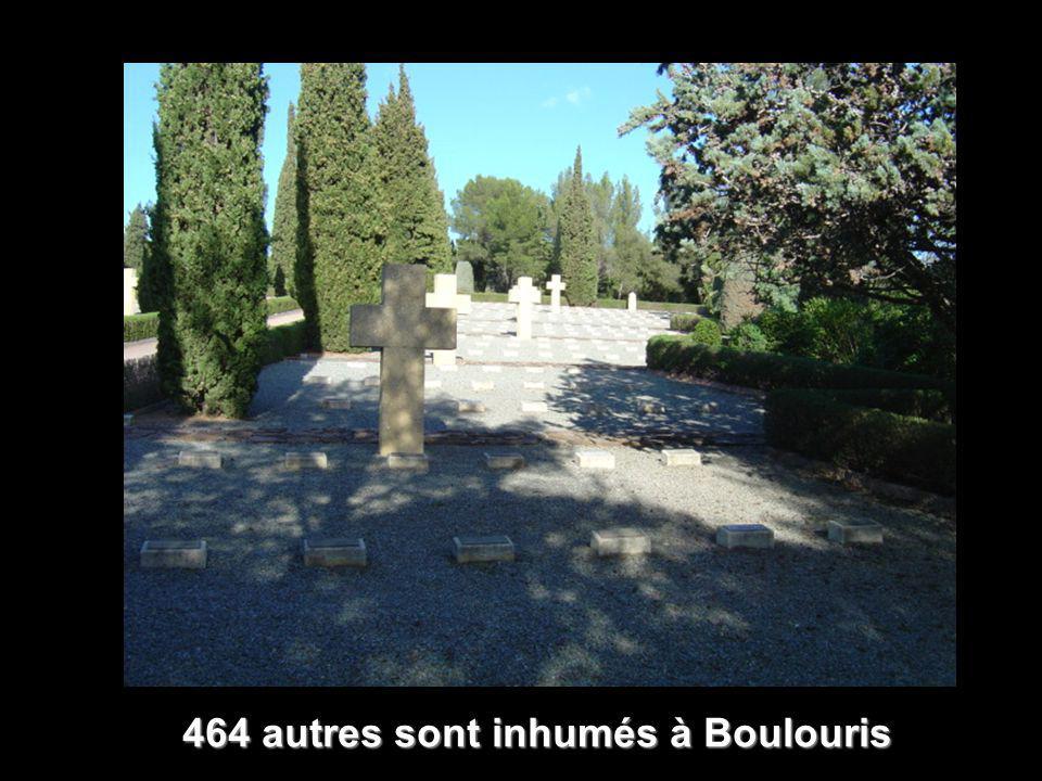 464 autres sont inhumés à Boulouris