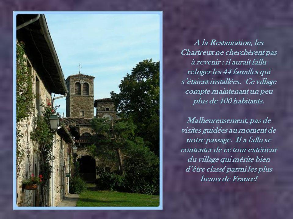 A l'extrémité, un ermitage de chartreux qui peut être visité toute l'année aux heures d'ouverture ou sur rendez-vous (04 77 20 20 81).