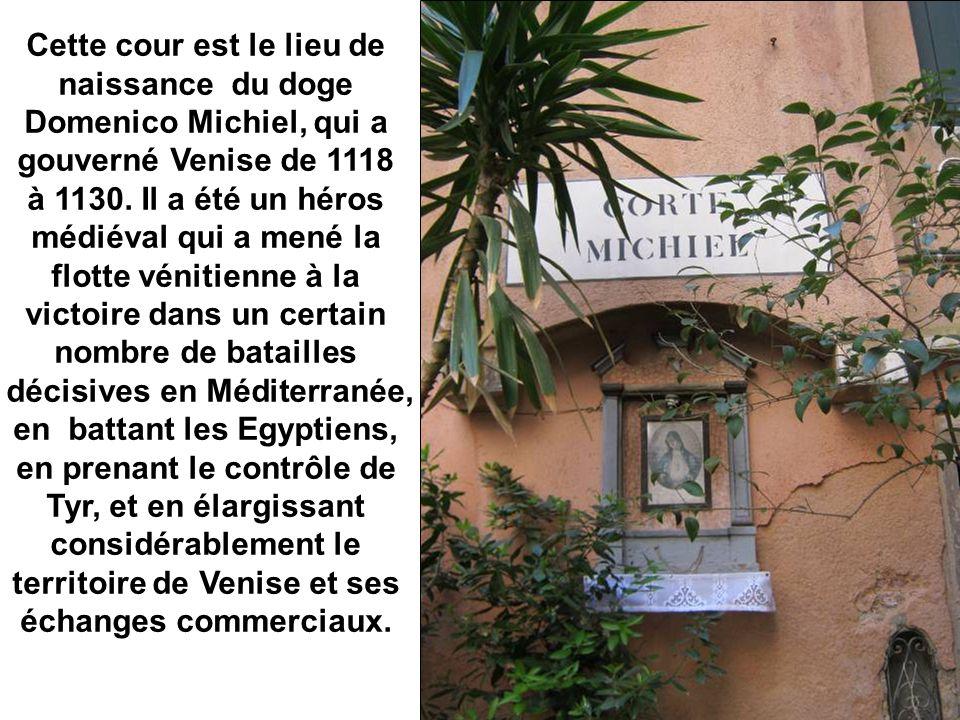 La Cour Michiel sert aussi de sèche-linge…