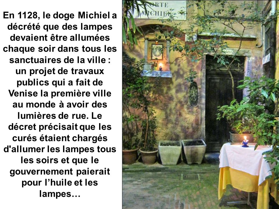 Le petit autel de la Cour Michiel est dédié à la Vierge