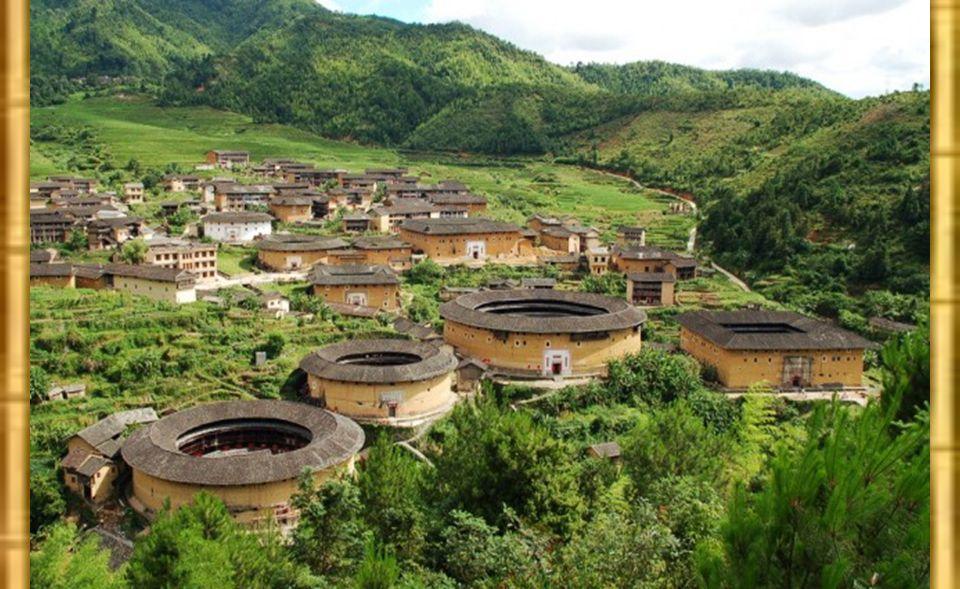 dans ces cours intérieures entre le puits Elles peuvent être concentriques et abriter des cuisines.