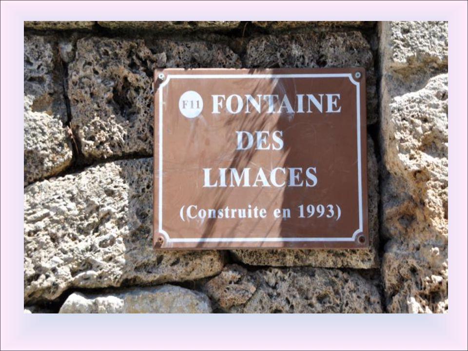 Fontaine de la cour. Cette fontaine se trouvait à proximité du siège de la justice Royale établi en 1322 par le comte de Provence. Au moyen âge, ce qu