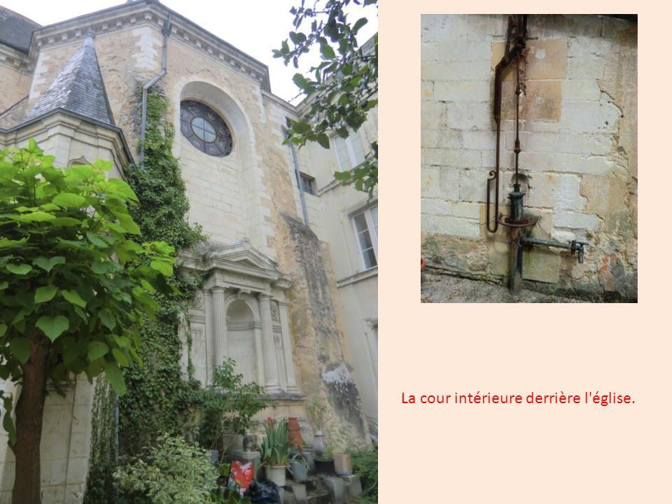 Façade arrière de l église. Eglise St-Pierre - St-Laurent