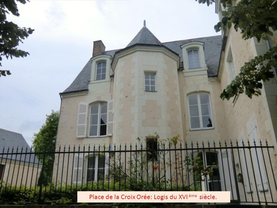 L'Hôtel Le Broc a été donné par Mademoiselle de Hargues à la congrégation des Sœurs de St François d'Assise.