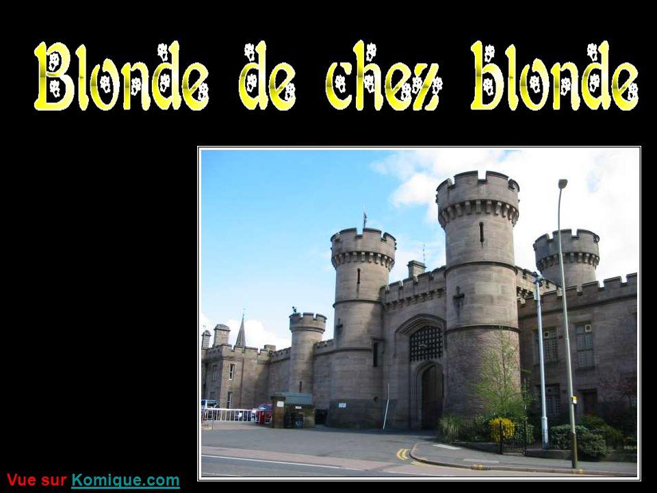Ca se passe dans une prison sud-américaine où sont emprisonnées trois nanas, deux brunes et une blonde.