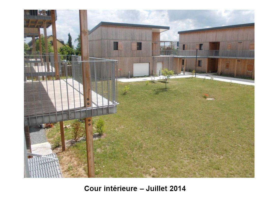 Cour intérieure – Juillet 2014