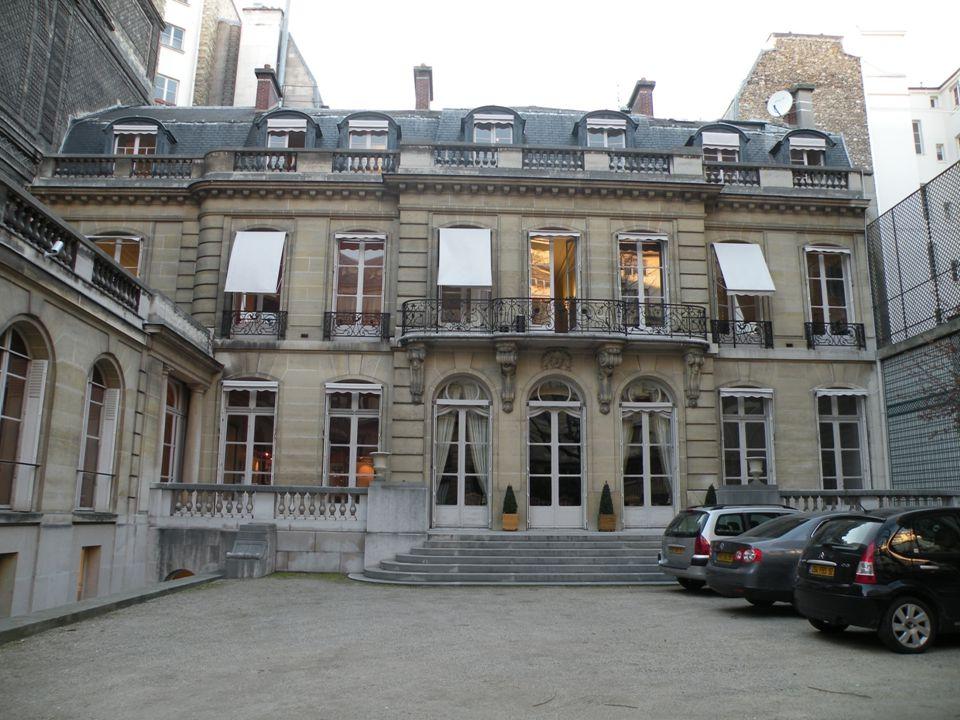 Le Musée de la Contrefaçon fut créé en 1951 par l Union des fabricants (Unifab) dans un hôtel particulier classé à l'inventaire des monuments historiques et situé au 16 de la rue de la Faisanderie à Paris.