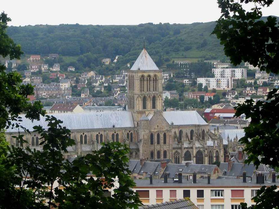 ….. Une petite visite à l'Abbaye du XI éme siécle s'impose …..