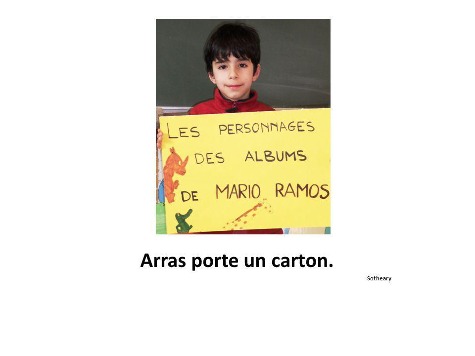 Nous regardons Monsieur Ramos. Pierre