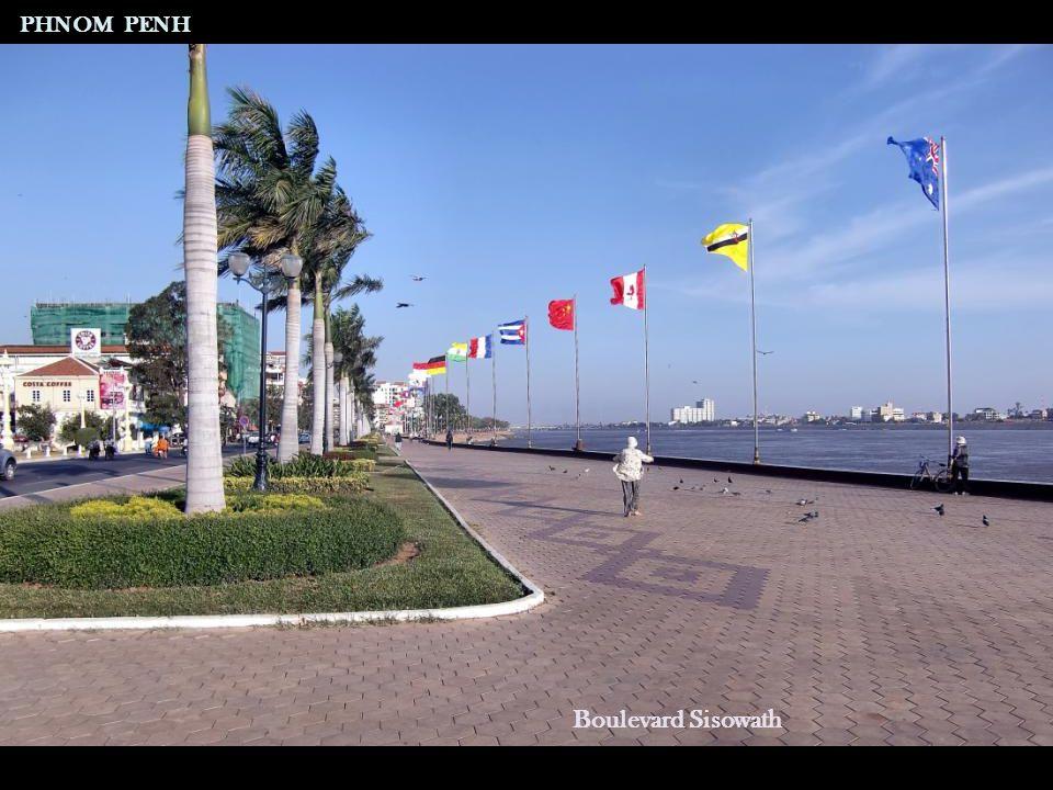 Boulevard Sisowath PHNOM PENH