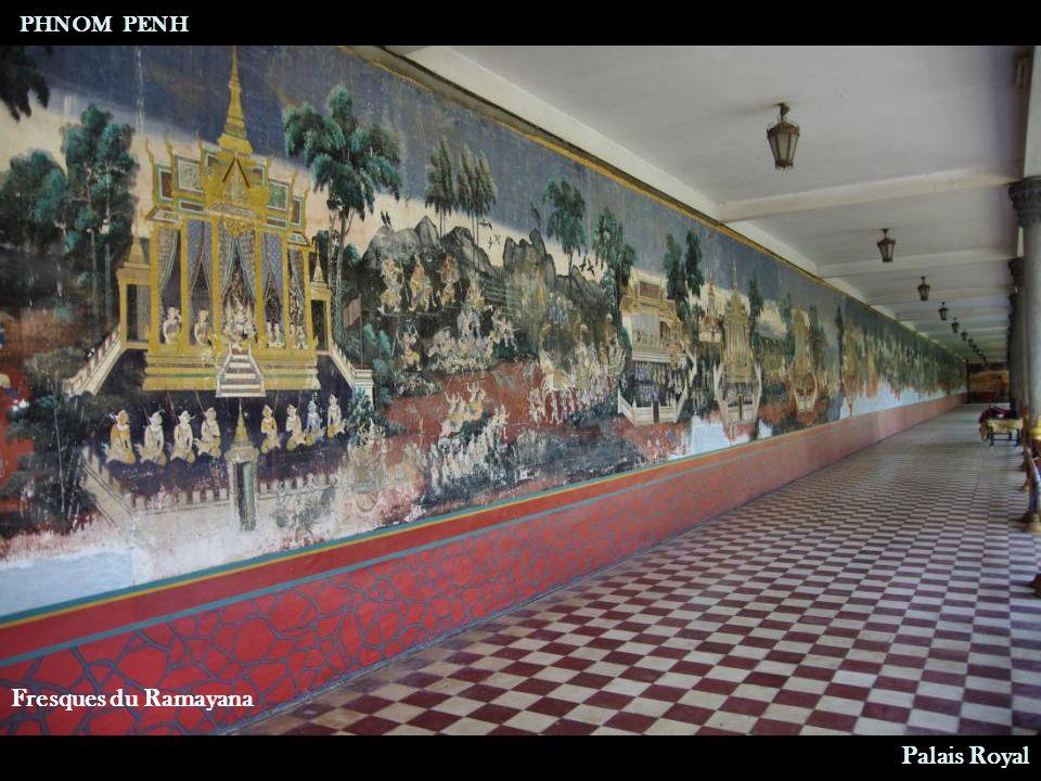 Bureau de travail PHNOM PENH Palais Royal