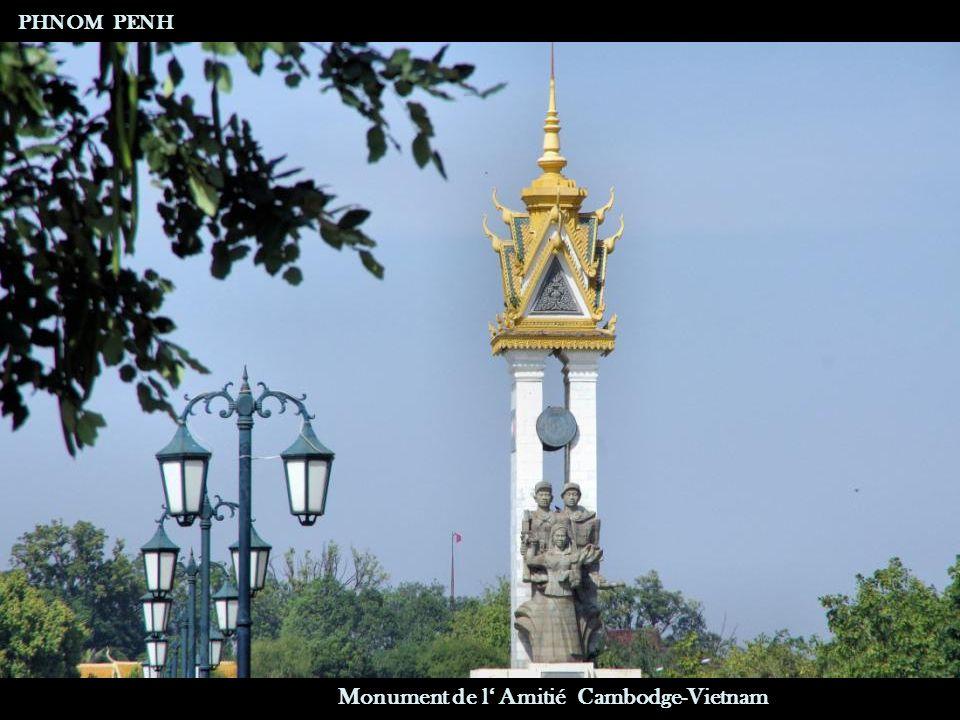 Vente d'Offrandes Boulevard Sisowath PHNOM PENH