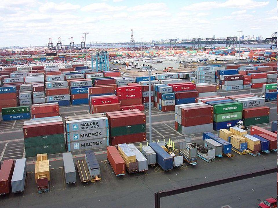 Un environnement favorable au commerce Environnement infrastructurel Environnement monétaire Environnement institutionnel