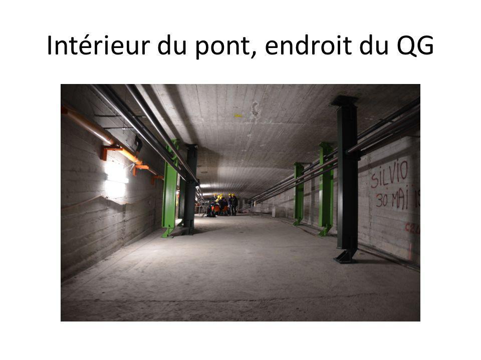 Intérieur du pont, endroit du QG