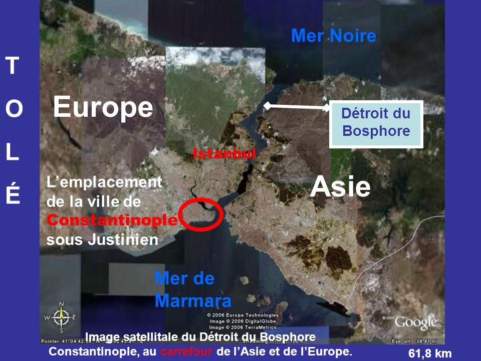 Mer Noire L'emplacement de la ville de Constantinople sous Justinien Asie Europe TOLÉTOLÉ Image satellitale du Détroit du Bosphore Constantinople, au