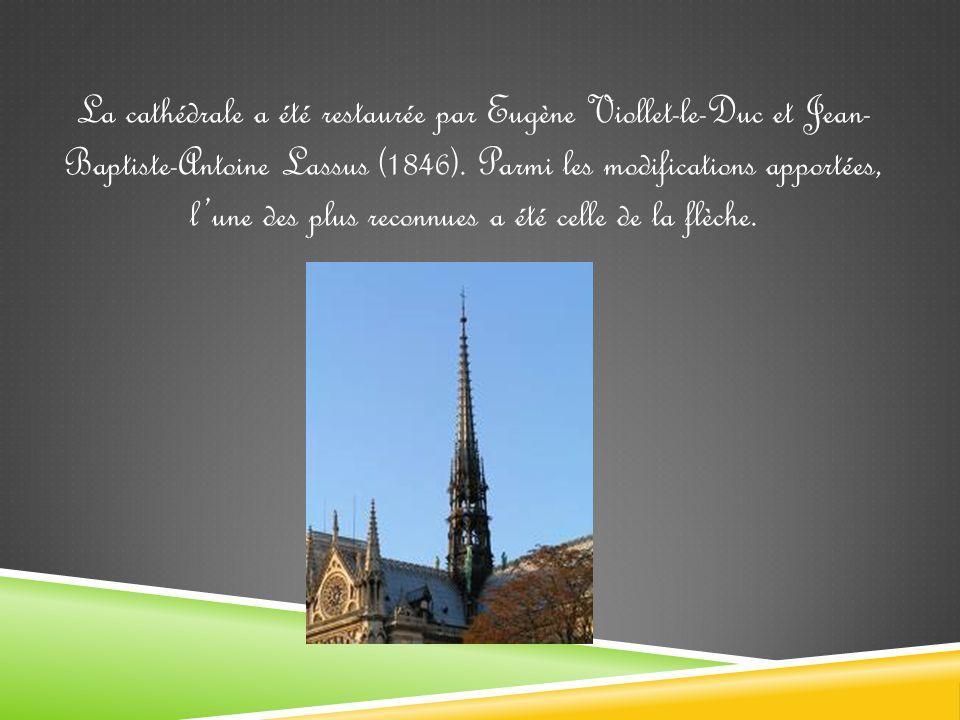 Dans la cathédrale, ont eu lieu des événements historiques comme: - 1431 - Couronnement de Henri VI d Angleterre pendant la guerre de Cent Ans.