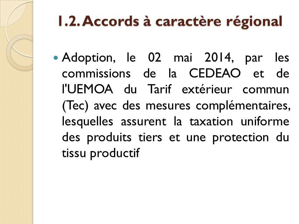 Comité conjoint UEMOA-CEDEAO de gestion du TEC CEDEAO s'est également penché sur trois autres questions : mise en place d un dispositif de mesures de sauvegarde contre les importations massives et subites, lutte contre le dumping et lutte contre les subventions par l institution de mesures compensatoires.