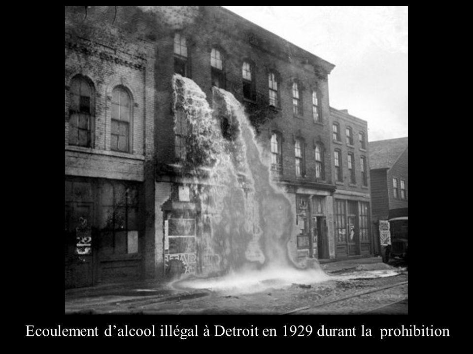 Ecoulement d'alcool illégal à Detroit en 1929 durant la prohibition