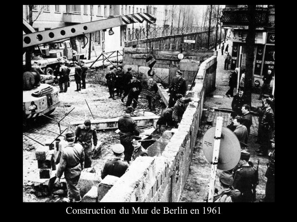 Construction du Mur de Berlin en 1961