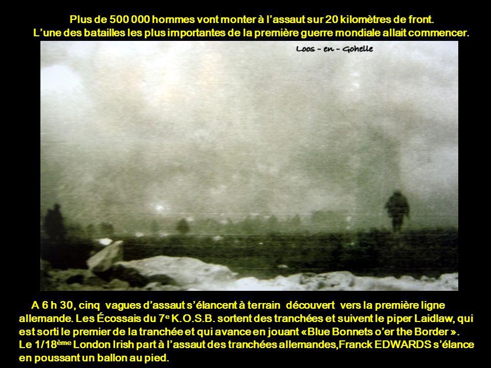 Après quatre jours de pilonnage pour détruire les barbelés devant les tranchées allemandes, le 25 septembre 1915, vers 5 h 50, l'artillerie britanniqu