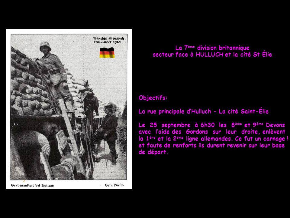 Le 10 octobre 1915 à Loos sous la pluie, les soldats du 90 ème R.I. attendent la remise des décorations. Photo prise à Loos le 10 octobre 1915 par le