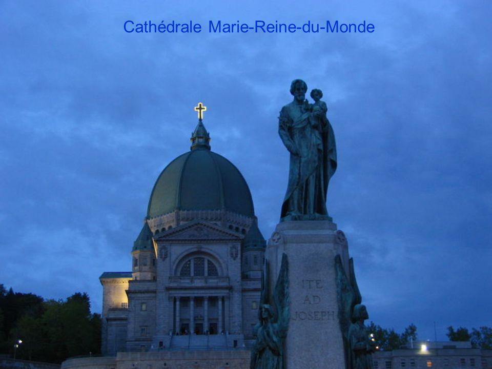 Statue parc Mont Royal et Basilique Notre-Dame