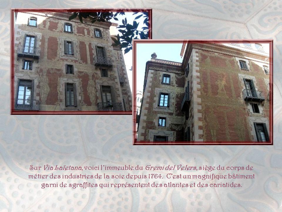 Déjà remarqués dans un diaporama précédent, sur Las Ramblas, citons le Gran Teatre del Liceu, reconstruit après l'incendie de 1861, ayant, comme carac